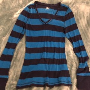 SO brand 2 shades of blue long sleeve thermal tee